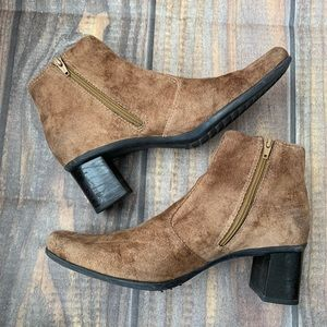 Franco Sarto suede ankle booties size 7